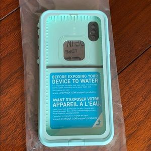 *brand new * Life proof phone case